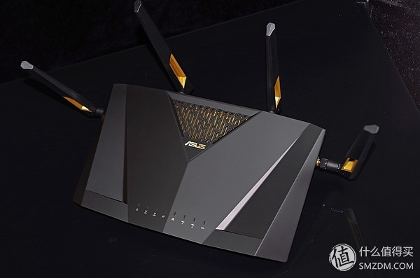 第六代WiFi技术,路由先行,华硕RT-AX88U电竞路由
