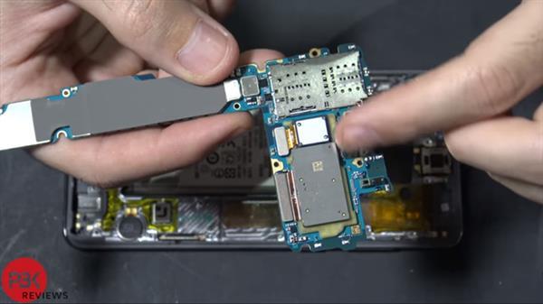 骁龙855加持 三星Galaxy S10拆机:用料十足