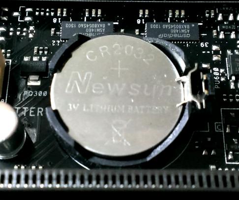 主板上的CMOS电池没电了,要如何更换?